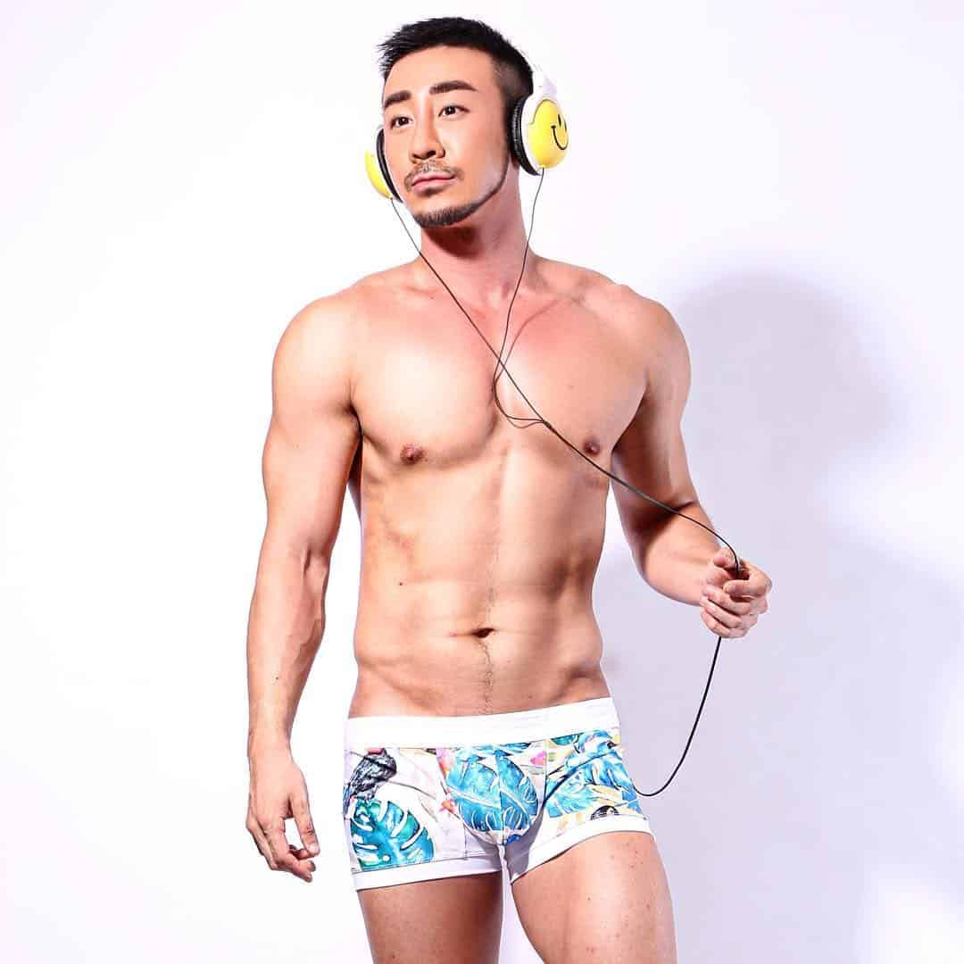 white-party-bangkok-asia-biggest-new-year-gay-party-hot-asian-guys-asias-largest-gay-travel-guide-4