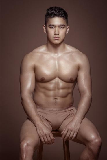 Quần lót nam màu nude